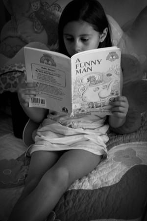 Olivia_funny_man_book_bw